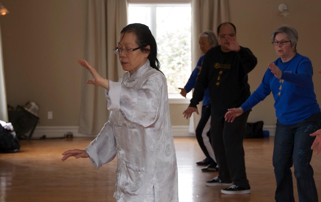 Sifu Grace Chui doing cloud hands